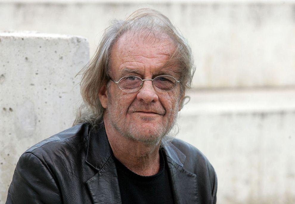 Luis Eduardo Aute (Cantautor, poeta y pintor)