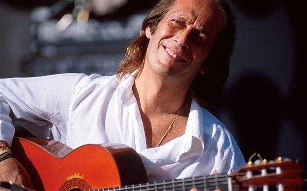 PACO DE LUCÍA (Músico, guitarrista y compositor de flamenco)