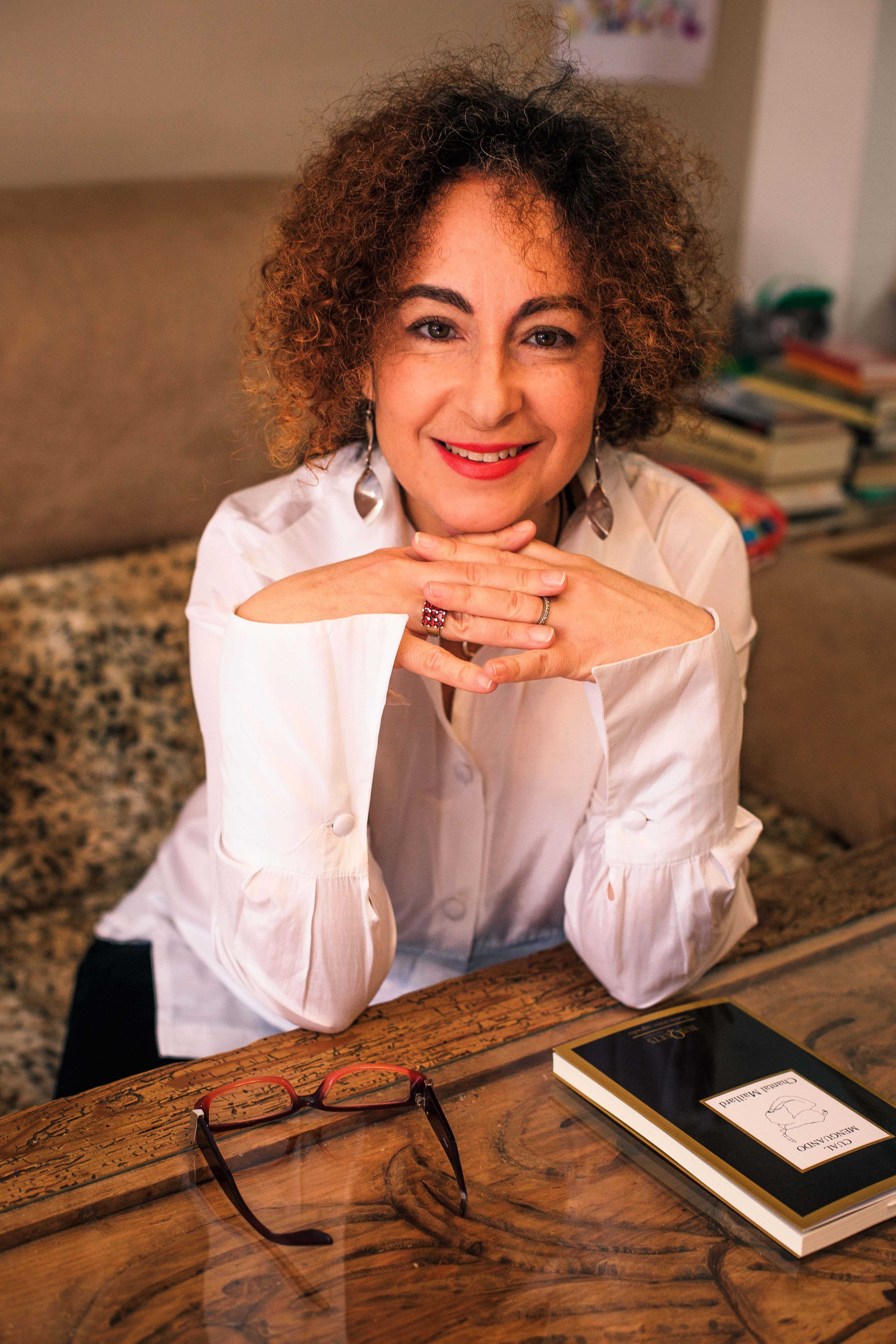 Eva Santamaría |presentadora y directora de Letras y Notas