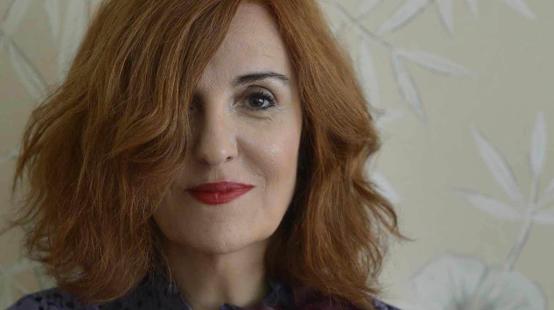 Elvira Lindo | Entrevista en Letras y Notas por Eva Santamaría