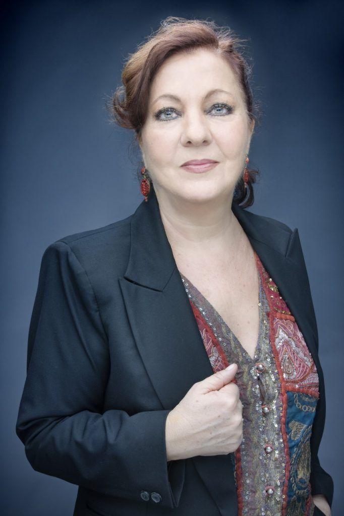 Carmen Linares | Entrevista en Letras y Notas | por Eva Santamaría